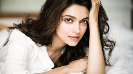 DEEPIKA PADUKONE indian film actress model bollywood