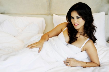 Sunny Leone bollywood celebrity actress model girl