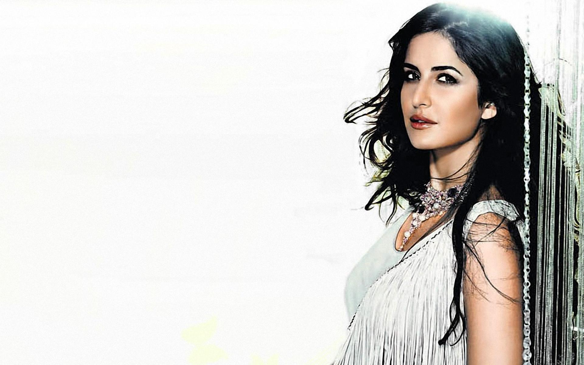 awesome pose of katrina kaif hd wallpaper | hd latest wallpapers