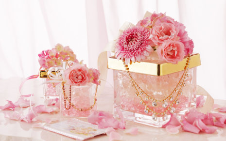 Pink flower in gift boxes HD wallpaper