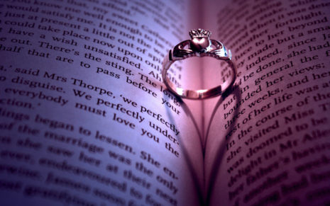 Ring on a book HD Wallpaper