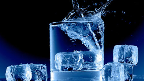 Ice cubes in a glass HD wallpaper