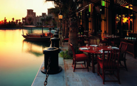 Outdoor resturant, Dubai HD wallpaper