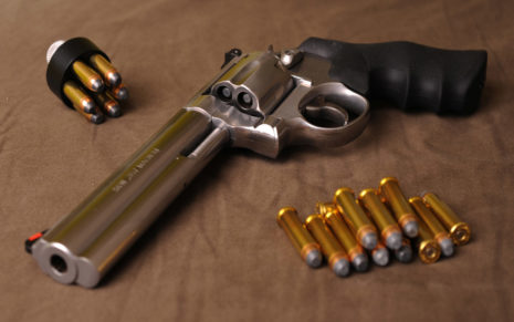 Revolver and bullets HD wallpaper