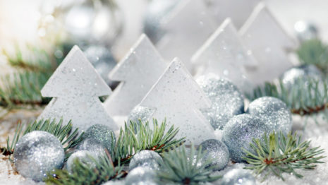 Silver triangular gifts HD wallpaper