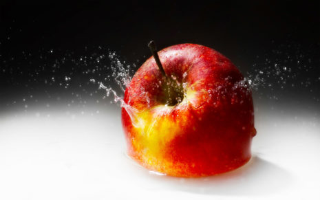 Apple splashing Milk HD wallpaper
