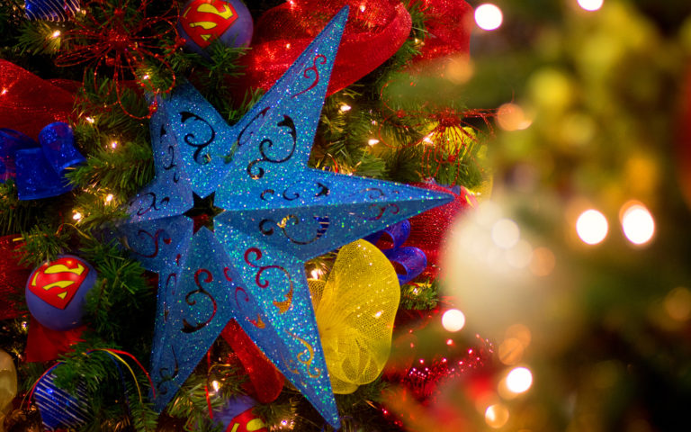 Christmas Tree Ornaments HD wallpaper