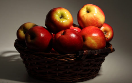 Red Apples in Buket HD wallpaper