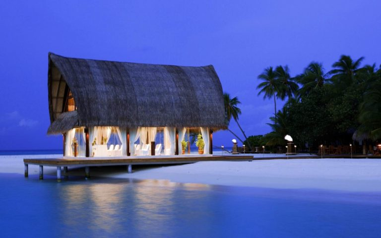 Beautiful Maldives HD wallpaper