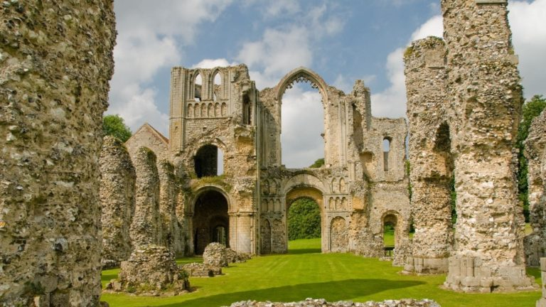 Castle Acre Castle HD wallpaper