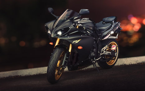 Black Yamaha YZF-R1 HD wallpaper