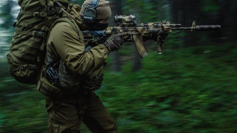 Rifles of Russian Army HD wallpaper