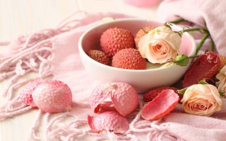 Strawberries with flowers HD wallpaper