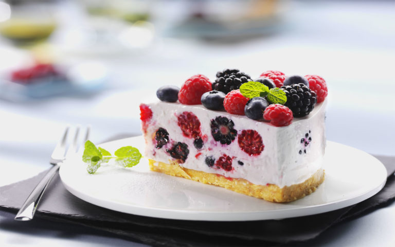 Cake full of fruits HD wallpaper