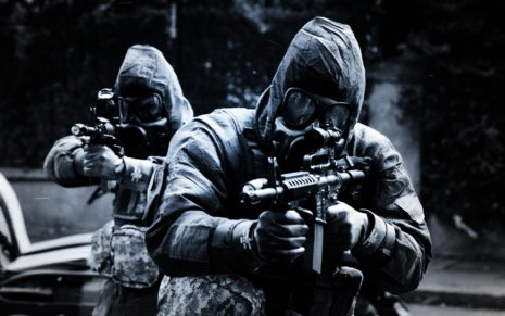 Soldiers with M4 rifles HD wallpaper