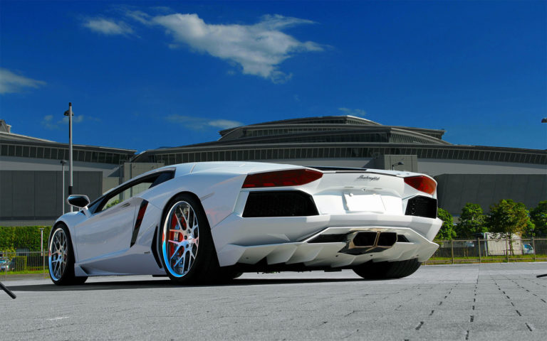 White Lamborghini Aventador LP700-4 HD wallpaper