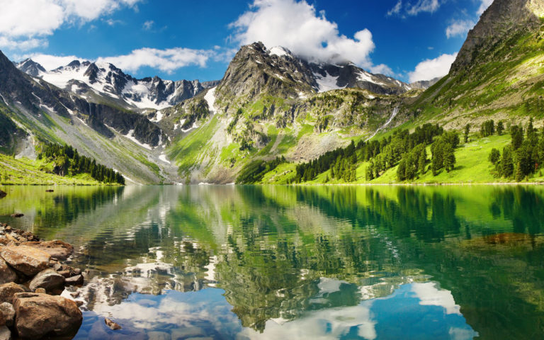 Alluring green mountains HD wallpaper