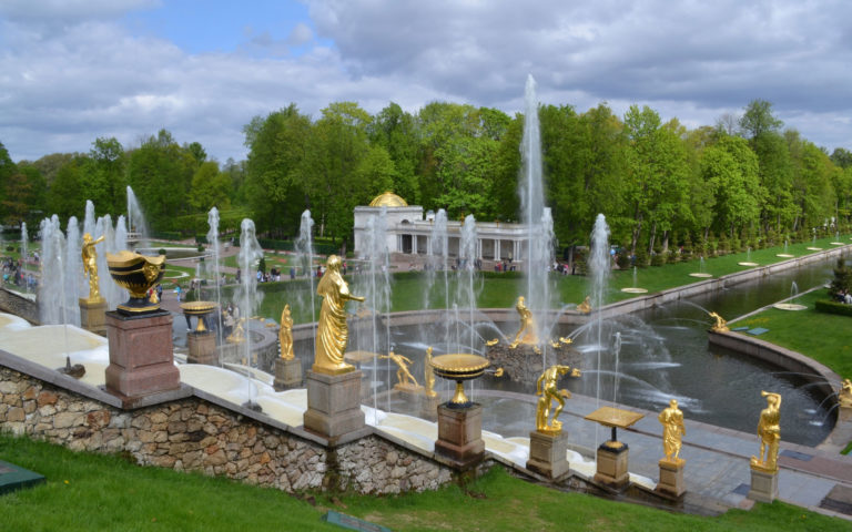 Peterhof fountains park HD wallpaper