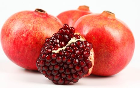 Sour & delicious pomegranate HD wallpaper 1
