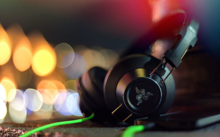 Stereo headphones HD wallpaper