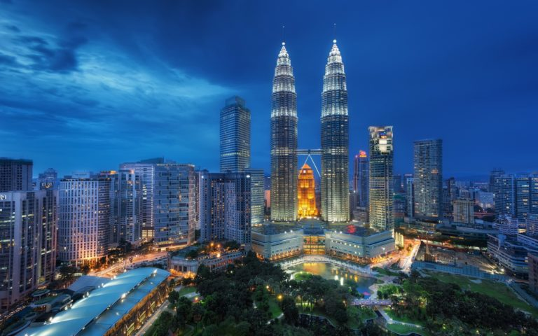PETRONAS twin towers HD wallpaper