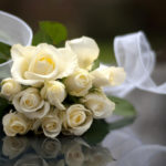 White ribbon with bouquet HD wallpaper