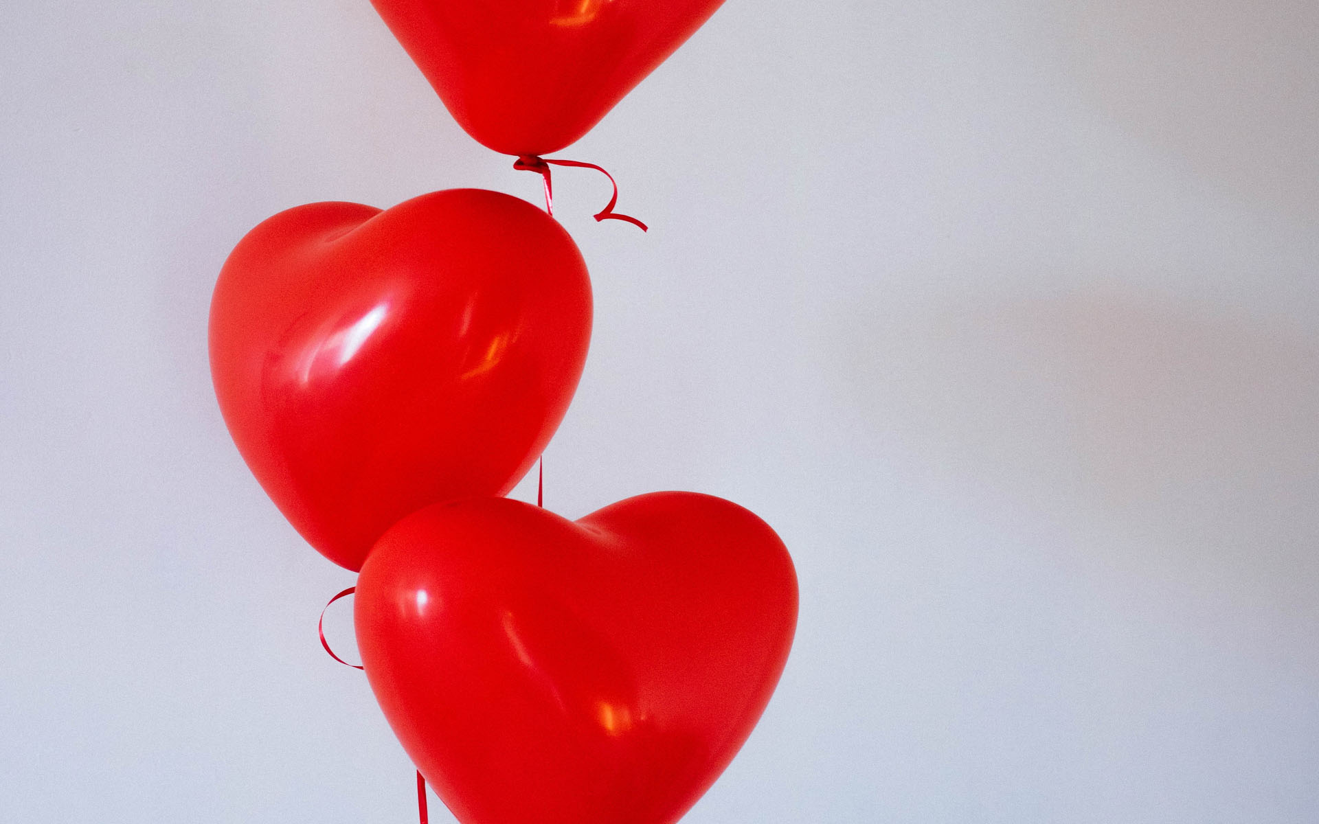 Red Heart Balloons HD Wallpaper